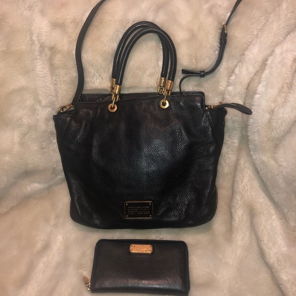 Marc Jacobs Handbags - Marc Jacobs Satchel with matching wallet